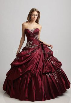 This dress is awesome! it kind of reminds me of Christine from Phantom of the Opera.