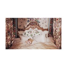 L'amour vainc tout found on Polyvore featuring pictures, backgrounds, photos, images, marie antoinette, scenery and filler
