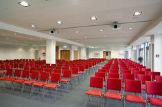 Tagungsräume nach Maß Wenn Sie einen Raum in Bremen für Konferenzen, Seminare, Besprechungen oder feierlichen Empfänge mieten wolle...