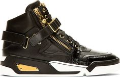 Versace 2014 Summer Black Leather High-Top Sneakers: New from Versace for Summer 2014 is the Italian fashion house's luxurious take on the classic black Me Too Shoes, Men's Shoes, Shoe Boots, Shoes Style, Versace Sneakers, Sneakers Fashion, Versace Shoes, Leather High Tops, Black Leather