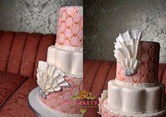 peach-pink-wedding-cake-round-toronto-cakes-thornhill-windsor-arms-wedding-cake