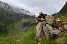 Cairn and his mountains.