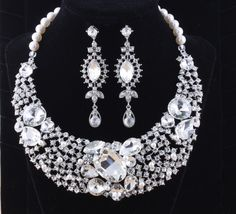 Silver Bridal Necklace Crystal Wedding by goddessdesignsgems Pearl Necklace Set, Bridal Necklace, Crystal Wedding, Pearls, Crystals, Trending Outfits, Diamond, Unique Jewelry, Handmade Gifts