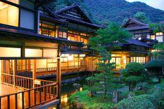 Traditional Japanese inn MUKAITAKI ryokan  Aizuwakamatsu Higashiyama Spa 会津東山温泉 向瀧(むかいたき)