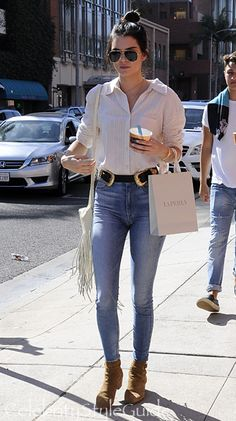 Kendall Jenner Struts Her Stuff In High Waisted 'Mom' Jeans