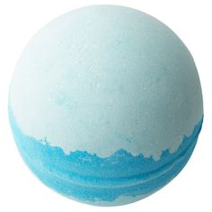 One of our all-time best sellers, the Frozen bath bomb is a beautiful blend of grapefruit, neroli and rose and fizzes out into a beautiful blue and white swirl as you bathe. Lush Cosmetics, Handmade Cosmetics, Bath Bomb Ingredients, Galaxy Bath Bombs, Chalk Paint Mason Jars, Lush Fresh, Diy Hanging Shelves, Lush Bath Bombs, Bath Bombs For Sale