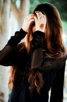 Cute Girl Poses, Girl Photo Poses, Girl Photography Poses, Teenage Girl Photography, Cute Girls, Stylish Girls Photos, Stylish Girl Pic, Beautiful Girl Photo, Beautiful Girl Image