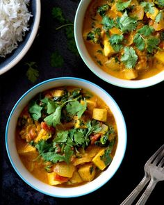 Ginger Peanut Tofu Curry! A weeknight-friendly and immune boosting dinner for the change of seasons... This is on weekly rotation in our house. I think of it as a creamy satay sauce meets a spicy tomato-based curry...  Romance ensues! It's totally protein-packed  #Vegan and #glutenfree Recipe up now on Homespun Capers  link in profile!  #melbournefood #makeitdelicious #plantbased #vegansofig #dairyfree #curry #vegetarian #seasonalfood by libertybrowne