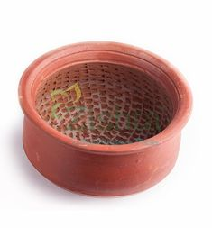 Make your kitchen traditional with the handcrafted collection of Clay cookware products such as Clay Cooking Pot , Clay Cookware kadai. Buy Clay, Kitchen Utensils, Handmade Shop, Traditional Design, Cookware, Kitchen Decor, Planter Pots, Artisan, Diy Kitchen Appliances