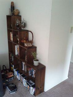 DIY bookshelf. Looks like an easy, good project