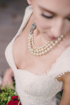 Vintage pearl necklace | Sweet Root Village | see more on: http://burnettsboards.com/2015/02/midsummer-nights-dream/