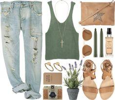 Baggy jeans, sandalias de piso y una t-shirt son ideales para este verano, busca más tendencias en http://www.1001consejos.com/moda