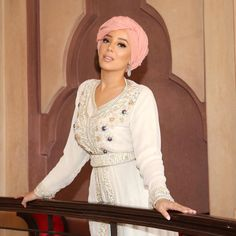 Hijab Fashionista, Hijab Style, Turban Style, Mode Turban, Camille, Scarf Styles, Cover Up, High Neck Dress, African