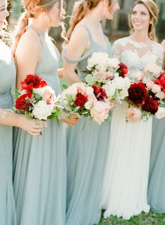 light blue bridesmaid dress | Photography: The Happy Bloom