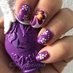 Here is my entry to #clairestelle8april #dots This is inspired by @ladybugs_nails  . Product