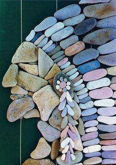 47 Ideas rock art diy pebble mosaic for 2019 Pebble Mosaic, Stone Mosaic, Pebble Art, Mosaic Art, Stone Crafts, Rock Crafts, Diy Crafts, Pebble Stone, Stone Art