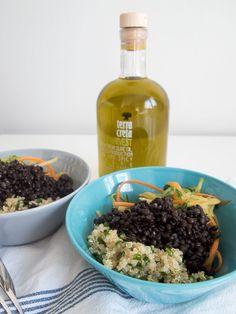 Tämä kevyt salaattikulho voisi sopia vaikka mihinkä kesän juhliin :) Resepti blogissa.