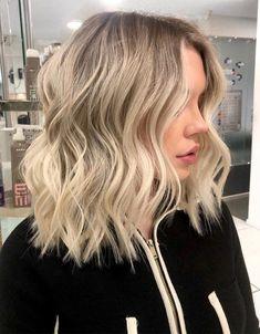 Mid Length Blonde Hair, Blonde Lob Hair, Cool Blonde Hair Colour, Blonde Haircuts, Blonde Balayage Mid Length, Balyage Short Hair, Short Hair Cuts, Short Hair Styles, Aveda Hair Color