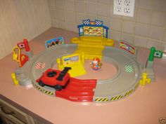 Fisher Price Little People Lil Movers Race Track Car