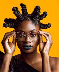 Hair hits of 2018 - Afro Hair Black Girls Hairstyles, African Hairstyles, Afro Hairstyles, Black Girl Aesthetic, Pelo Natural, Afro Punk, African Beauty, Beautiful Black Women, Beautiful Lips
