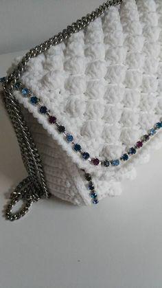Marvelous Crochet A Shell Stitch Purse Bag Ideas. Wonderful Crochet A Shell Stitch Purse Bag Ideas. Crochet Wallet, Free Crochet Bag, Crochet Purse Patterns, Crochet Shell Stitch, Crochet Clutch, Crochet Handbags, Diy Crochet, Crotchet Bags, Knitted Bags