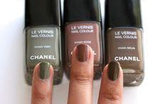 Les Khaki de Chanel collection