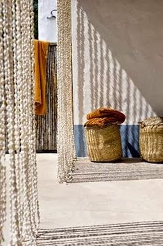 Seashell beaded curtain for a beach house from locally collected shells Porches, Cortina Boho, Outdoor Spaces, Outdoor Living, Indoor Outdoor, Deco Boheme, Beach Shack, Beaded Curtains, Lounge