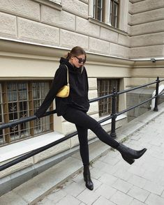 Uploaded by 💍. Find images and videos on We Heart It - the app to get lost in what you love. Outfits Image in FASHION collection by 💍 on We Heart It Winter Mode Outfits, Fall Outfits, Casual Outfits, Cute Outfits, Summer Outfits, Winter Fashion Outfits, Dress Casual, Work Outfits, Look Retro