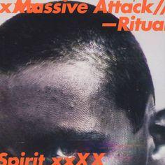 30 Jahre im Geschäft und noch immer kein bisschen irrelevant. Massive Attack überzeugen mit ihrer neuen EP: Massive Attack - Ritual Spirit (Grey Vinyl Edition)