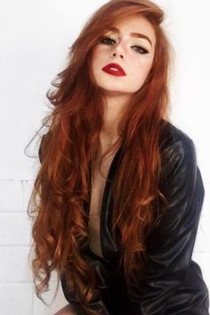 Medium Reddish Tone ❤️ Discover the red hair co. - - Medium Reddish Tone ❤️ Discover the red hair color chart! Strawberry blonde, copper, dark auburn and lots of colors are w. Hair Color Auburn, Red Hair Color, Cool Hair Color, Eye Color, Color Red, Ginger Hair Color, Medium Auburn Hair, Medium Red Hair, Hair Colors