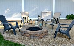 Adding Pea Gravel to the Fire Pit Area area diy ideas modern Fire Pit Bench, Wood Fire Pit, Fire Pit Area, Diy Fire Pit, Fire Pit Backyard, Diy Swimming Pool, Above Ground Swimming Pools, Fire Pit Essentials, Outside Fire Pits