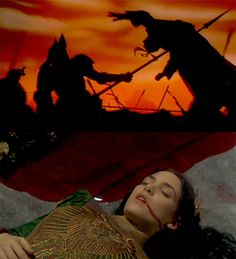 Dracula in armor and dead Mina - Bram Stoker's Dracula. Dracula Film, Bram Stoker's Dracula, Real Vampires, Vampires And Werewolves, Werewolf Hunter, Coppola, Fiction, Cinema, Classic Horror Movies