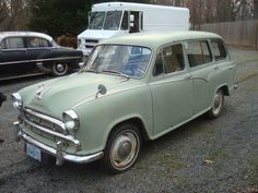 Much like the GAZ from a couple weeks back, it's fun to look over this 1960 Morris Oxford Traveller for sale on Hemmings. com and point out the American design Vintage Cars, Antique Cars, Morris Oxford, Pacific West, Morris Minor, Mustang Cars, Station Wagon, Amazing Cars, Old Cars