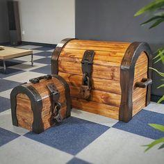 Dwa Michały, jeden duży drugi mały ;) #skrzynia #kuferek #artwork #woodclock #wood #woodcraft #woodart #woodart #homedecor #antique #all_the_good_wood  #bespoke #beautiful #custom  #Dowoodworking #furniture #furnituredesign #handmade #homedecor  #handcrafted #homedecoration #interiordesign  #rustic #reclaimed #reclaimedwood #reclaimedfurniture  #rusticstyle  #rusticdesign  #RUSTICDECOR #box #woodbox