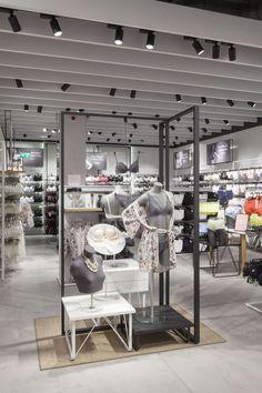 Design showcase: lindex opens first uk store - retail design world Boutique Interior, Visual Display, Display Design, Booth Design, Lingerie Store Design, Underwear Store, Store Layout, Retail Space, Uk Retail