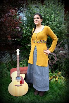 Ravelry: Mrs.Warford pattern by Megan Grewal  (*Don't know whether I should pin this to fiber arts or guitars!!  kmh*)