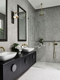 The layout in Alisa and Lysandra's bathroom renovation allows for plentiful storage in a sexy, on-trend black tone. Picture: Lisa Cohen Photography Source by ssbyhk Bathroom Tile Designs, Modern Bathroom Design, Bathroom Interior Design, Home Interior, Bathroom Ideas, Bathroom Organization, Bath Design, Bathroom Layout, Scandinavian Interior