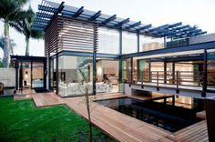 Spacious House Aboobaker by Nico van der Meulen Architects