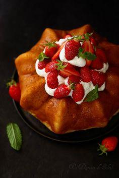 Un dejeuner de soleil: Baba au limoncello et aux fraises