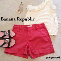 "Banana Republic Martin Fit Shorts Banana Republic Martin fit shorts in coral. 2 side pockets and 2 back buttoned pockets. 98% cotton 2% spandex. 4"" inseam. Banana Republic Shorts"
