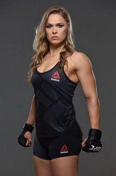 Ronda Rousey Wwe, Ronda Jean Rousey, Mode Inspiration, Fitness Inspiration, Karate, Divas Wwe, Rowdy Ronda, Ufc Women, Ufc Fighters