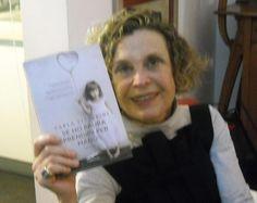 Lovely Michela, friend of mine and smart artist, reading Se ho paura prendimi per mano. amzn.to/1zvZQ1S