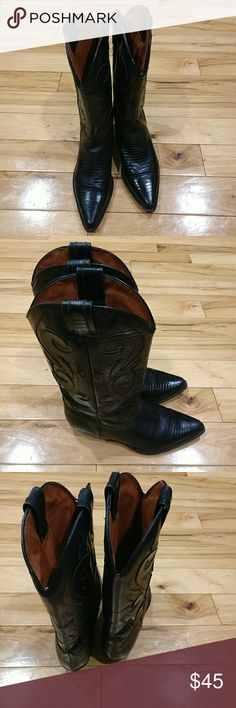Cowboy boots 6.5 made in Brazil Black women's cowboy boots size 6.5 made in Brazil medium man-made soul leather upper. They are in a very good condition. I'm selling them at an excellent price so get them today yeah! o-crossbill Shoes