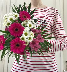 Everything nice comes together in this sweet mix of candy pink gerbera daisies, classic white daisies and scrummy pink alstromeria lilies.