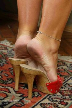 mature real feet