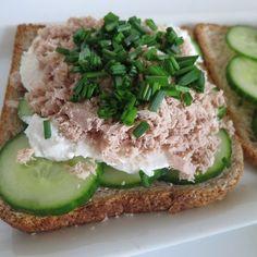 Recette estivale: Le sandwich thon-concombre-chèvre.