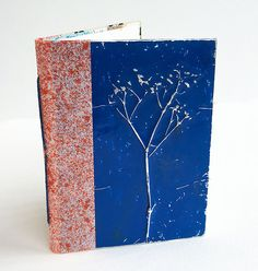 This mixed-media art tutorial shows how to create easy tin foil art, as seen in the May/June 2017 issue of Cloth Paper Scissors magazine. Tin Foil Crafts, Tin Foil Art, Diy Crafts, Notebooks, Journals, Cloth Paper Scissors, Flower Making, Medium Art, Art Tutorials