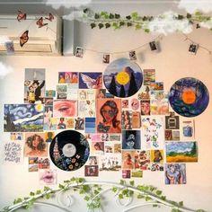 5 Unique Ways to Style your Dorm Door Indie Room Decor, Cute Room Decor, Aesthetic Room Decor, Hipster Room Decor, Retro Room, Vintage Room, Bedroom Vintage, Vintage Pink, Retro Vintage