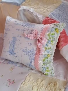 Baby Girl Quilts, Girls Quilts, Vintage Sheets, Vintage Pillows, Vintage Linen, Patchwork Baby, Patchwork Pillow, Girl Cribs, Doll Beds