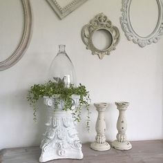 Ornate Pedestal Architectural Table Centerpiece FRENCH PROVINCIAL Shabby Chic Add a few of your favorite things to your coffee table. The perfect conversational piece your guests can't help but love t French Home Decor, French Country Decorating, Shabby Chic Homes, Shabby Chic Decor, Vibeke Design, Cottage, French Provincial, Farmhouse Chic, Home Decor Furniture
